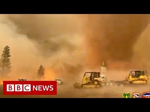 Powerful fire tornado in California - BBC News