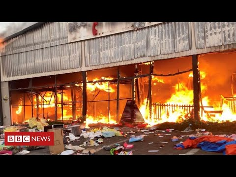 Looting and unrest leaves 72 dead as South Africa violence continues - BBC News
