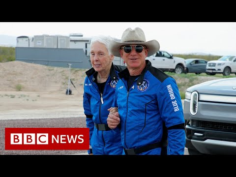 Jeff Bezos and crew launch into space on New Shepard - BBC News