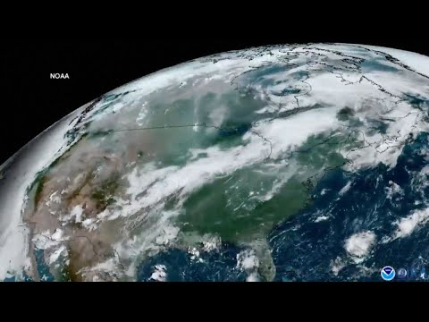 Smoke From Western Wildfires Blankets U.S.