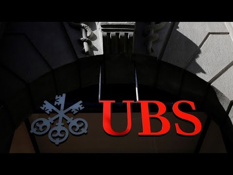 UBS Lifts Junior Banker Pay